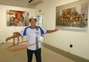 yangon gallery 100 Plus hula hooper