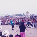 laos-games-diabolo-toss-up
